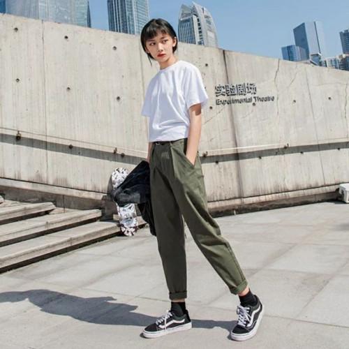 女生工装裤搭配 女生也可以穿酷酷的衣服